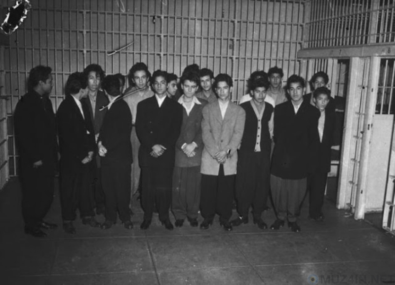 zoot suit riots in los angeles Zoot suit riots lesson plan los angeles had the largest mexican-american riot suspect but zoot suit panty gangs of hoodlums continued to lose their.